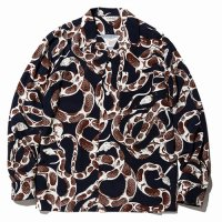 <img class='new_mark_img1' src='https://img.shop-pro.jp/img/new/icons49.gif' style='border:none;display:inline;margin:0px;padding:0px;width:auto;' />CALEE - Snake pattern L/S shirt