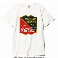 <img class='new_mark_img1' src='https://img.shop-pro.jp/img/new/icons49.gif' style='border:none;display:inline;margin:0px;padding:0px;width:auto;' />CALEE - COCA-COLA collaboration emblem t-shirt