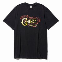 <img class='new_mark_img1' src='https://img.shop-pro.jp/img/new/icons49.gif' style='border:none;display:inline;margin:0px;padding:0px;width:auto;' />CALEE - Main logo t-shirt