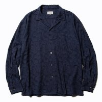 <img class='new_mark_img1' src='https://img.shop-pro.jp/img/new/icons49.gif' style='border:none;display:inline;margin:0px;padding:0px;width:auto;' />CALEE - Jacquard feather pattern L/S shirt