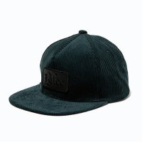 <img class='new_mark_img1' src='https://img.shop-pro.jp/img/new/icons49.gif' style='border:none;display:inline;margin:0px;padding:0px;width:auto;' />CALEE - Corduroy leather wappen cap