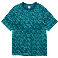 <img class='new_mark_img1' src='https://img.shop-pro.jp/img/new/icons5.gif' style='border:none;display:inline;margin:0px;padding:0px;width:auto;' />CALEE - Allover monogram pattern drop shoulder t-shirt