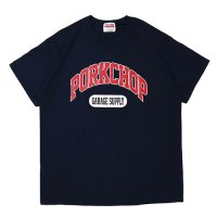 <img class='new_mark_img1' src='https://img.shop-pro.jp/img/new/icons5.gif' style='border:none;display:inline;margin:0px;padding:0px;width:auto;' />PORKCHOP - COLLEGE TEE