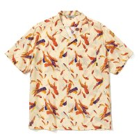 <img class='new_mark_img1' src='https://img.shop-pro.jp/img/new/icons49.gif' style='border:none;display:inline;margin:0px;padding:0px;width:auto;' />CALEE -  Allover feather pattern S/S shirt
