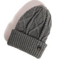 <img class='new_mark_img1' src='https://img.shop-pro.jp/img/new/icons49.gif' style='border:none;display:inline;margin:0px;padding:0px;width:auto;' />glamb - Wilken knit cap