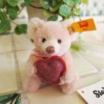シュタイフ ハートを持ったテディベア STEIFF TEDDY BEAR WITH LOVEHEART