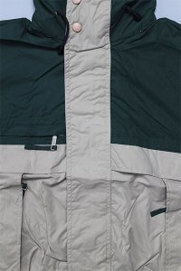 <img class='new_mark_img1' src='https://img.shop-pro.jp/img/new/icons16.gif' style='border:none;display:inline;margin:0px;padding:0px;width:auto;' />COBRA CAPS SAILING JACKET 【KHI/D.GRN/NVY】