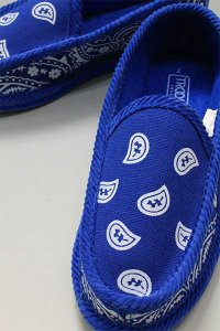 <img class='new_mark_img1' src='https://img.shop-pro.jp/img/new/icons16.gif' style='border:none;display:inline;margin:0px;padding:0px;width:auto;' />TROOPER HOUSE SHOES BANDANA【BLU】