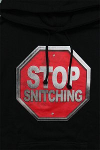 <img class='new_mark_img1' src='https://img.shop-pro.jp/img/new/icons16.gif' style='border:none;display:inline;margin:0px;padding:0px;width:auto;' />THROWBACK  2000 STOP SNITCHING HOODIE 【BLK】