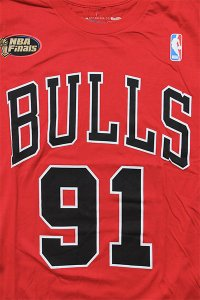 <img class='new_mark_img1' src='https://img.shop-pro.jp/img/new/icons16.gif' style='border:none;display:inline;margin:0px;padding:0px;width:auto;' />MITCHELL&NESS BULLS RODMAN S/S TEE【RED/BLK】