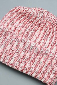 COLUMBIA KNIT SLOUCHIE BEANIE【WHT/RED】
