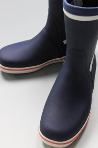 <img class='new_mark_img1' src='https://img.shop-pro.jp/img/new/icons16.gif' style='border:none;display:inline;margin:0px;padding:0px;width:auto;' />Gill CRUISING SHORT BOOTS 【NVY】