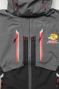 <img class='new_mark_img1' src='https://img.shop-pro.jp/img/new/icons16.gif' style='border:none;display:inline;margin:0px;padding:0px;width:auto;' />BassProShops 200MPH GORE-TEX JACKET  【GRY/BLK/RED】