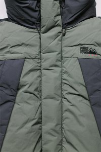 <img class='new_mark_img1' src='https://img.shop-pro.jp/img/new/icons16.gif' style='border:none;display:inline;margin:0px;padding:0px;width:auto;' />FIRST DOWN MOUNTAIN DOWN JACKET 【OLV/BLK】
