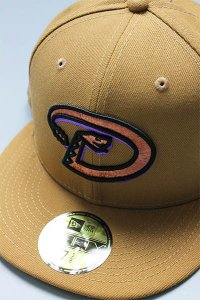 NEWERA 59fifty DIAMOND BACKS 2001 WORLD SERIES【CAMEL/AQUA】