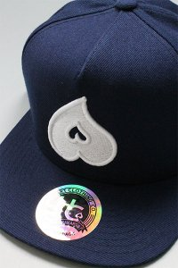 <img class='new_mark_img1' src='https://img.shop-pro.jp/img/new/icons16.gif' style='border:none;display:inline;margin:0px;padding:0px;width:auto;' />HEART CLOTHING SNAP BACK CAP【NVY/WHT】