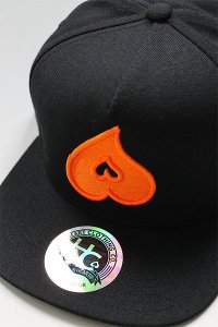 HEART CLOTHING SNAP BACK CAP【BLK/ORG】