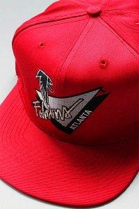 <img class='new_mark_img1' src='https://img.shop-pro.jp/img/new/icons16.gif' style='border:none;display:inline;margin:0px;padding:0px;width:auto;' />DEADSTOCK CAP AMERICAN NEEDLE FALCONS【RED/BLK】