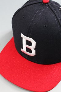 <img class='new_mark_img1' src='https://img.shop-pro.jp/img/new/icons16.gif' style='border:none;display:inline;margin:0px;padding:0px;width:auto;' />DEADSTOCK WOOL AMERICAN NEEDLE CAP BOSTON BRAVES【NVY/RED】