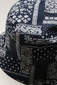 re:new BUCKET HAT PAISLEY【NVY】