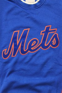 <img class='new_mark_img1' src='https://img.shop-pro.jp/img/new/icons16.gif' style='border:none;display:inline;margin:0px;padding:0px;width:auto;' />MITCHELL&NESS METS CREW SWEAT【BLU/ORG】