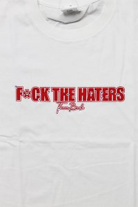 <img class='new_mark_img1' src='https://img.shop-pro.jp/img/new/icons16.gif' style='border:none;display:inline;margin:0px;padding:0px;width:auto;' />THROWBACK 2000 FUCK THE HATERS S/S TEE 【WHT/RED】