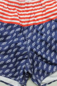 <img class='new_mark_img1' src='https://img.shop-pro.jp/img/new/icons16.gif' style='border:none;display:inline;margin:0px;padding:0px;width:auto;' />AFTCO UV SWIM SHORTS【NVY/RED】