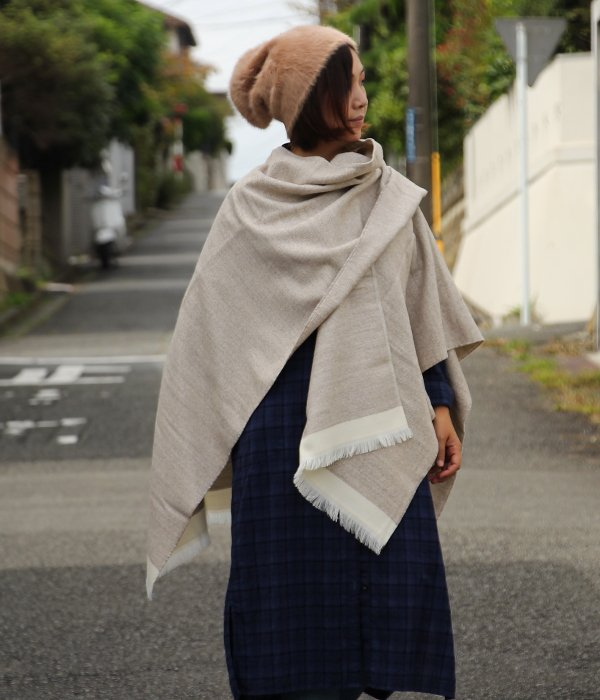 <img class='new_mark_img1' src='https://img.shop-pro.jp/img/new/icons5.gif' style='border:none;display:inline;margin:0px;padding:0px;width:auto;' />【QUIOC】 FRENCH PONCHO