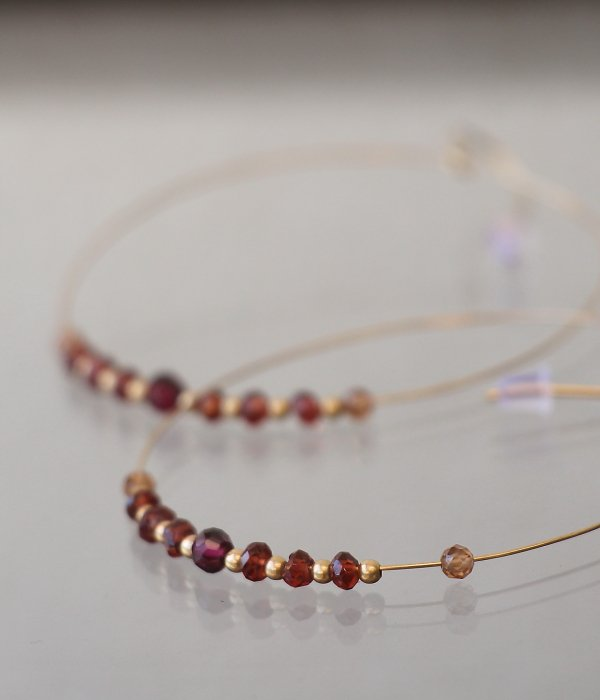 <img class='new_mark_img1' src='https://img.shop-pro.jp/img/new/icons5.gif' style='border:none;display:inline;margin:0px;padding:0px;width:auto;' />【maruco Wire Line】 GARNET PIERCED EARRINGS