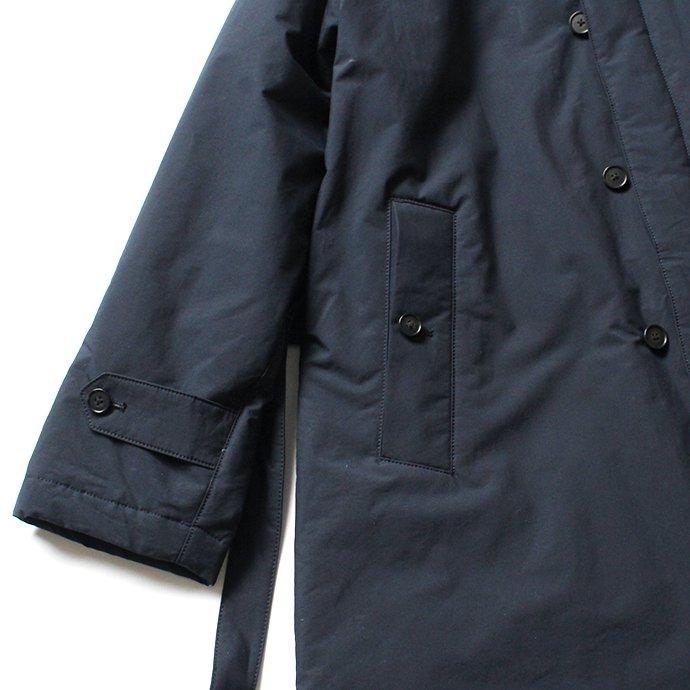 146550430 STILL BY HAND / CO0194 シンサレート中綿入りスタンドカラーコート - Navy 02