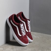 VANS / Pig Suede Old Skool - Port Royale ヴァンズ スウェードオールドスクール バーガンディ VN0A4BV5S3N<img class='new_mark_img2' src='https://img.shop-pro.jp/img/new/icons20.gif' style='border:none;display:inline;margin:0px;padding:0px;width:auto;' />