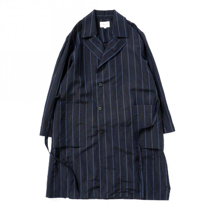 157624328 STILL BY HAND / CO02211 オリジナルストライプ素材 ガウンコート - Navy Stripe<img class='new_mark_img2' src='https://img.shop-pro.jp/img/new/icons47.gif' style='border:none;display:inline;margin:0px;padding:0px;width:auto;' /> 01