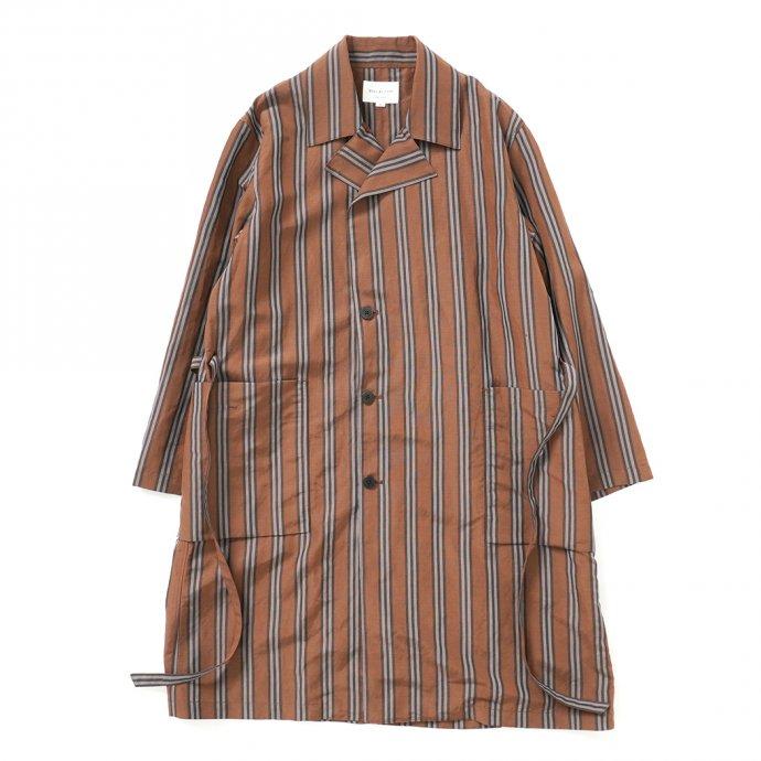157624345 STILL BY HAND / CO02211 オリジナルストライプ素材 ガウンコート - Brown Stripe 01