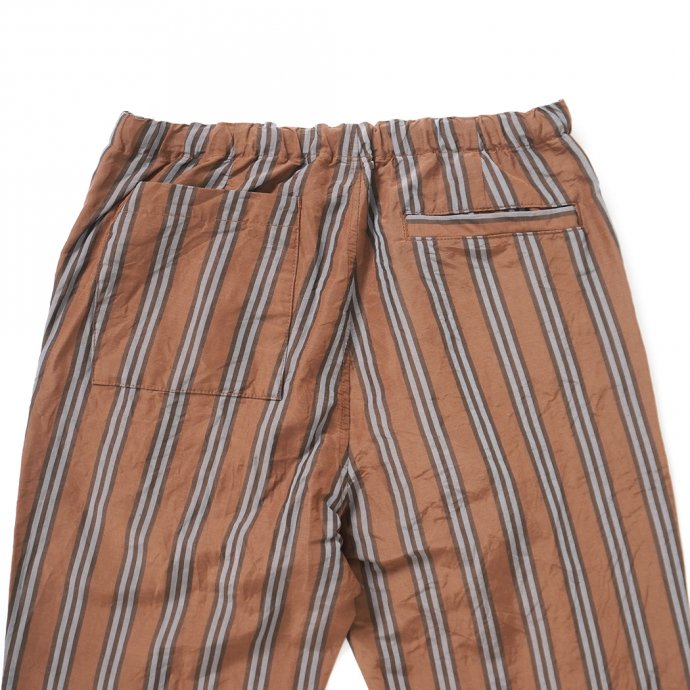157645846 STILL BY HAND / PT07211 オリジナルストライプ素材 イージーパンツ - Brown Stripe 02