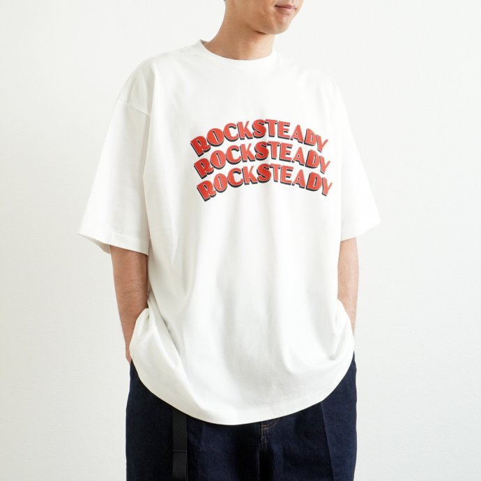 157869161 blurhms ROOTSTOCK / ROCKSTEADY Tee BIG ROOTS2119S21-A - White x Red ロックステディTシャツ ホワイト<img class='new_mark_img2' src='https://img.shop-pro.jp/img/new/icons47.gif' style='border:none;display:inline;margin:0px;padding:0px;width:auto;' /> 02