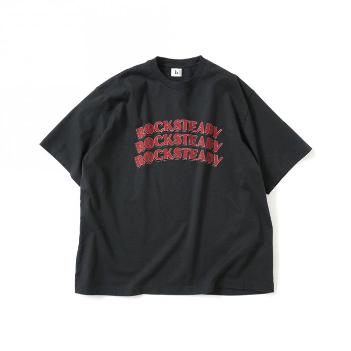 blurhms ROOTSTOCK / ROCKSTEADY Tee BIG ROOTS2119S21-A - InkBlack x Red ロックステディTシャツ インクブラック<img class='new_mark_img2' src='https://img.shop-pro.jp/img/new/icons47.gif' style='border:none;display:inline;margin:0px;padding:0px;width:auto;' />