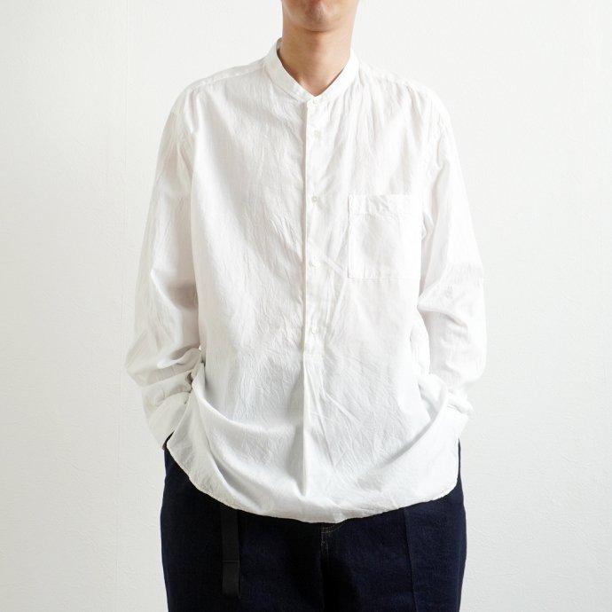 158124166 STILL BY HAND / SH04211 シルク混 バンドカラー プルオーバーシャツ - White 02