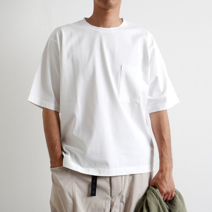 159257103 STILL BY HAND / CS02212 グラスポケットTシャツ - Blue 02