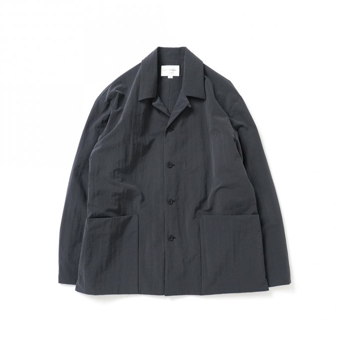 162988409 STILL BY HAND / BL02213 塩縮ナイロン カバーオールジャケット - Ink Black<img class='new_mark_img2' src='https://img.shop-pro.jp/img/new/icons47.gif' style='border:none;display:inline;margin:0px;padding:0px;width:auto;' /> 01