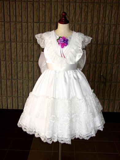 レースをたっぷり使った白ドレス【オーダーのみ】