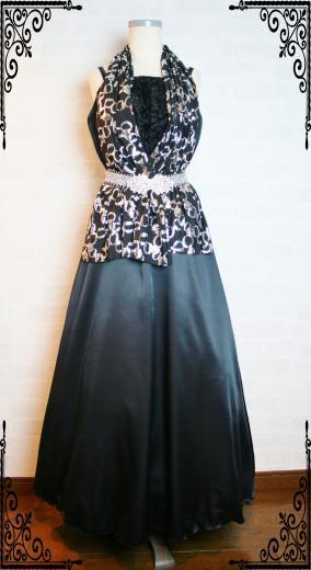 大人カッコいいブラックドレス