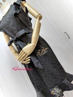 着物リメイクお呼ばれワンピ★絵羽織リメイク胸元&裾フリルワンピース(正絹)
