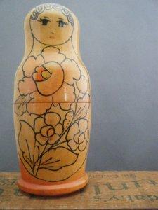 ヴィンテージ お花の帽子 スリムなマトリョーシカ  大 1977オリジナルシール付(キノコのハンコ)・VINTAGE OLD Matyoshka Russian nesting doll