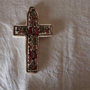 ルーマニアトランシルバニア地方 コロンド村の陶器の十字架(中2−1)・romania korond village pottery cross m