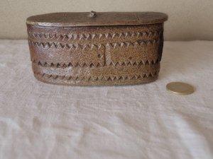 スウェーデン 陶器の蓋つき小箱 sweden pottery small box