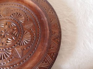 木彫りの皿 austria wood carving dish