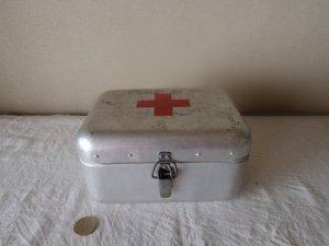 ハンガリー アルミ ティン ファーストエイド 救急 ボックス 横長 大 ・hungary almium tin car first aid