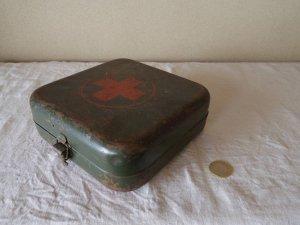 ハンガリー 鉄 ティン ファーストエイド 救急 ボックス・hungary iron tin car first aid