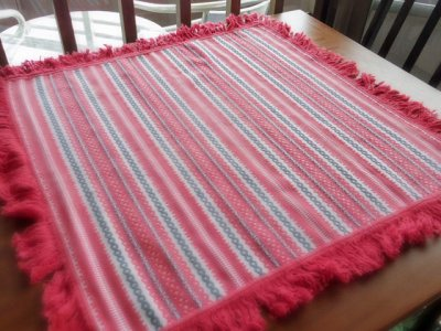ルーマニア トランシルバニア地方の伝統柄 織物 赤 パターン1 Romania traditional textile