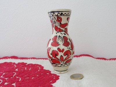 ルーマニア コロンド村の陶器の小さな花瓶 水差し 赤2・Romania Korond pottery vase small tall red 2